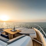 Ferretti Yachts 780 2