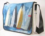 verschiedene Taschen mit Yachtgemäden