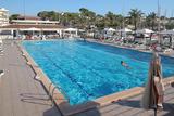 Erfrischendes Bad im Club Nàutic Arenal